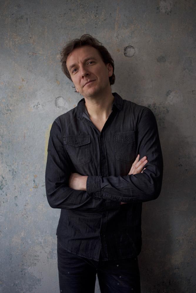 Wieland Götze · musikalische Leitung, Schlagzeug, Piano